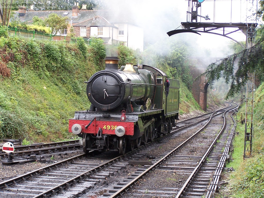 Kinlet Hall rolls onto the train