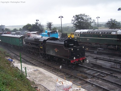 45231 arrives at a damp Ropley