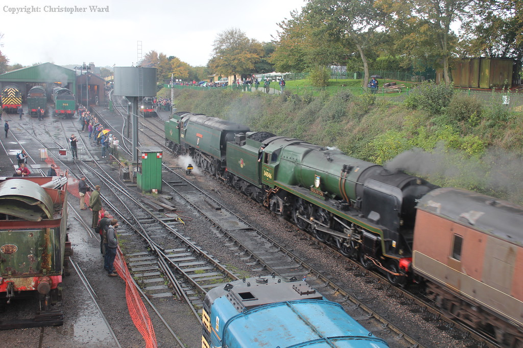 The Bulleid double of Wadebridge and Braunton coast into Ropley with the dining set