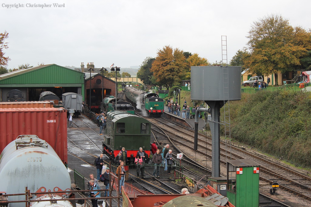925 draws into the platform