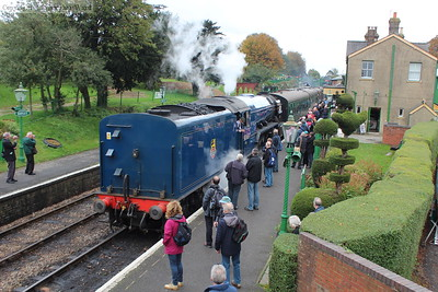 60163 returns to delight the crowds