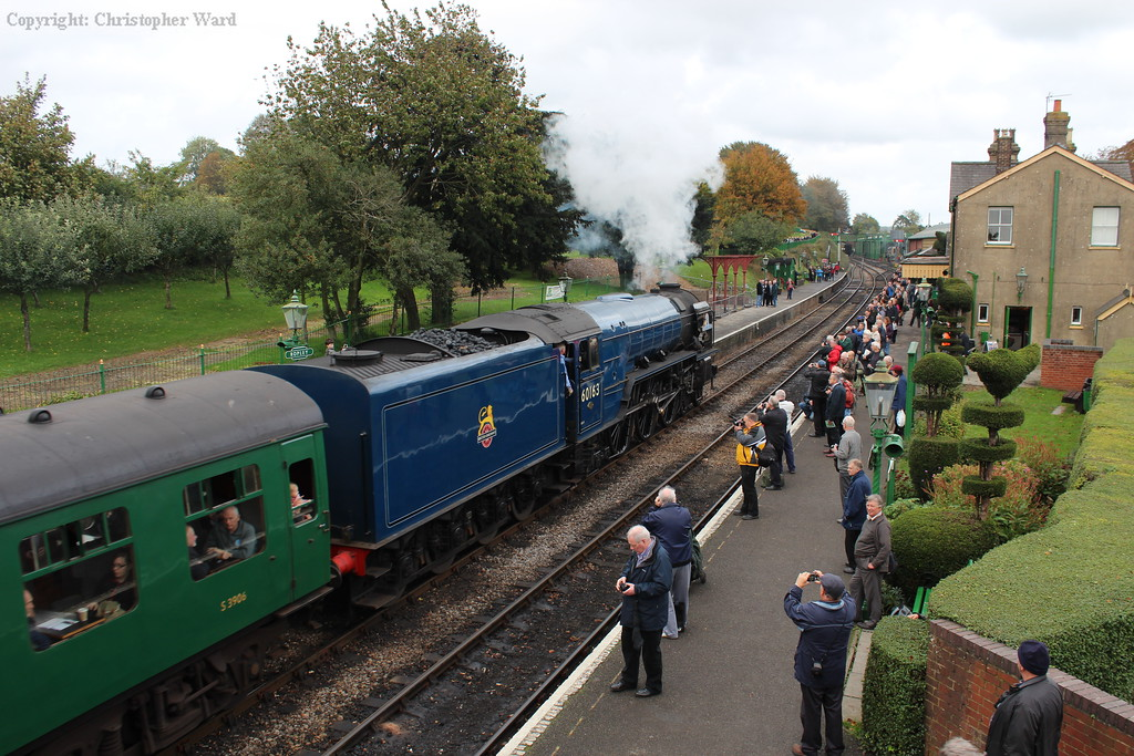 Tornado pulls into Ropley with an Alton train