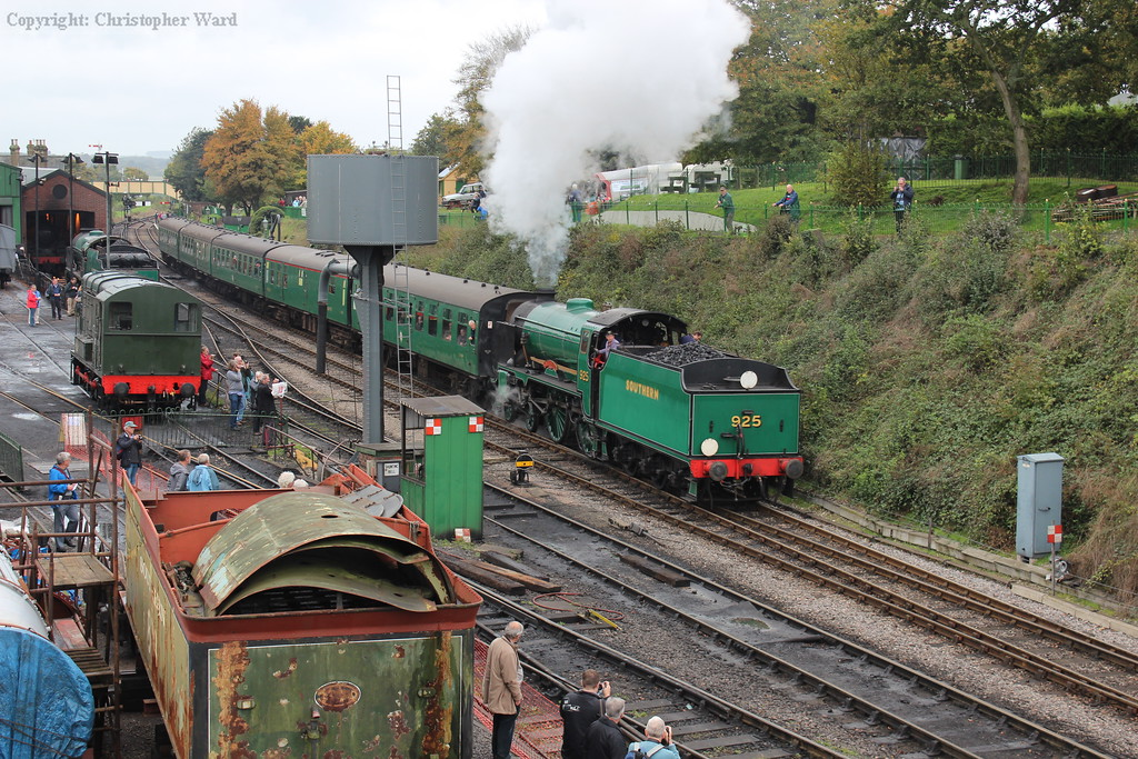 Cheltenham gets the train underway