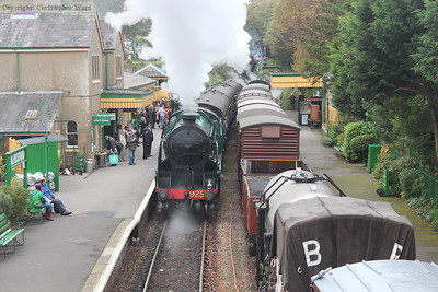 Cheltenham tails the train out of Alresford for the short hop back to Ropley