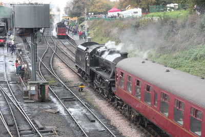 An all LMS pairing as the Black Five prepares to cross the Crab at Ropley, complete with maroon coaching stock