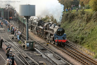 "The second ""Pines"" working of the weekend and the Standards charge non-stop through Ropley"