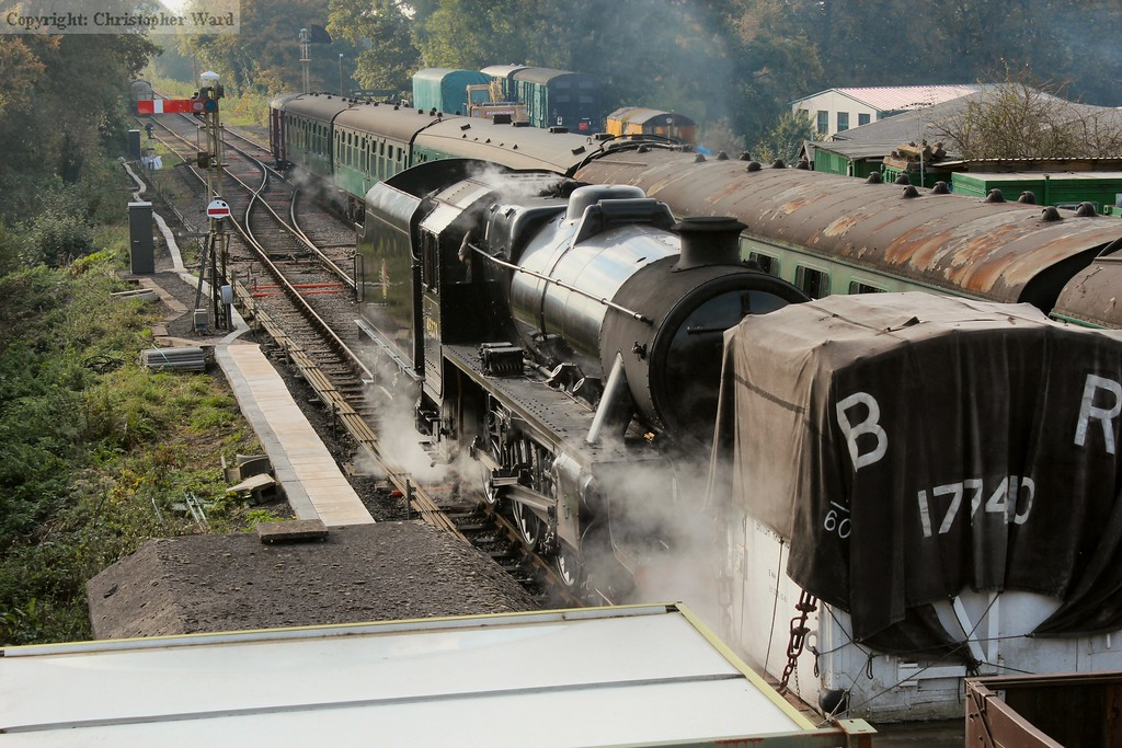 45379 arrives and waits for the Pines to leave and free up the junction ahead