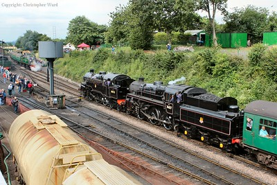 80078 and 76017 team up on a southward run