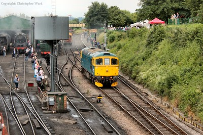 The class 33 moves off the p-way train it had bought from Alresford