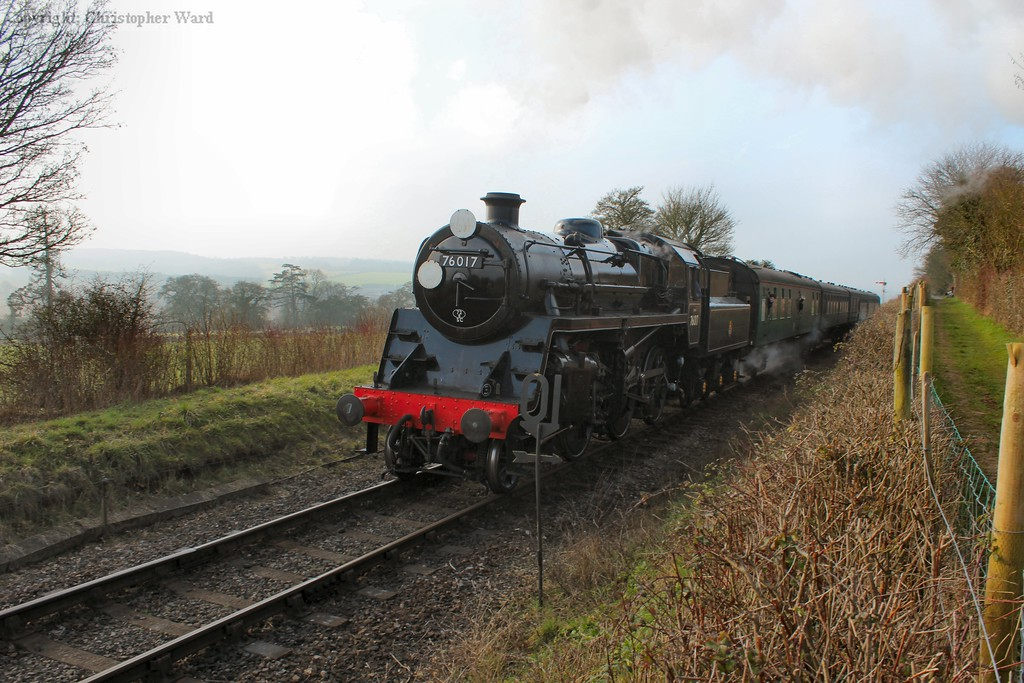 The Standard 4 slows to take the loop at Ropley