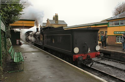 The T9 gets away with the Ropley shuttle