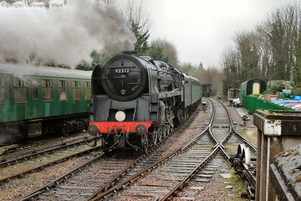 92212 shunts the RAT out of the station to make room for the freight train to pass through the station