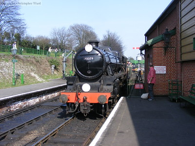 45379 coasts into Ropley