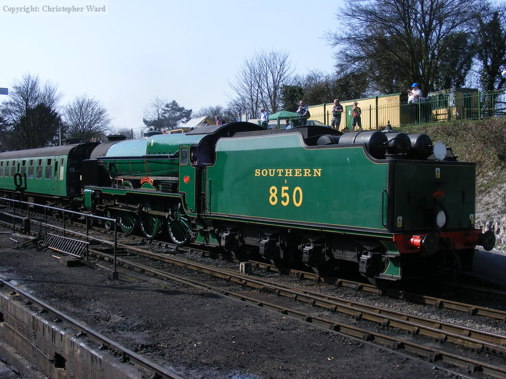 850, having been held at Ropley for some considerable time by the fires at Medstead, finally departs from Ropley