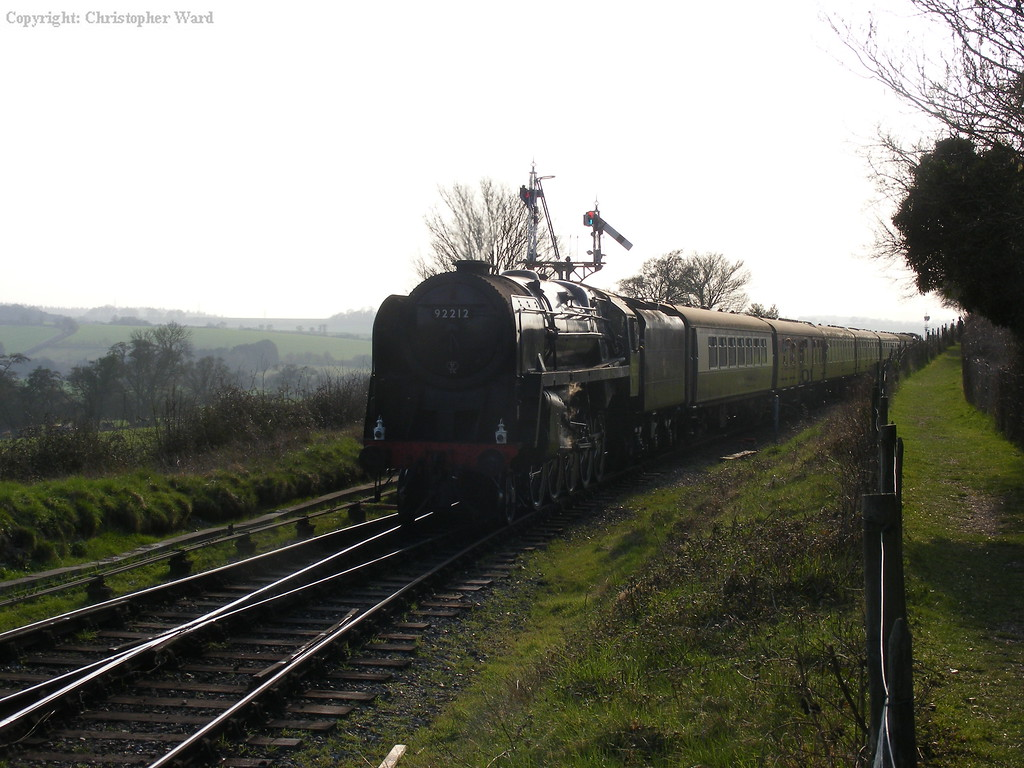92212 runs into the loop at Ropley