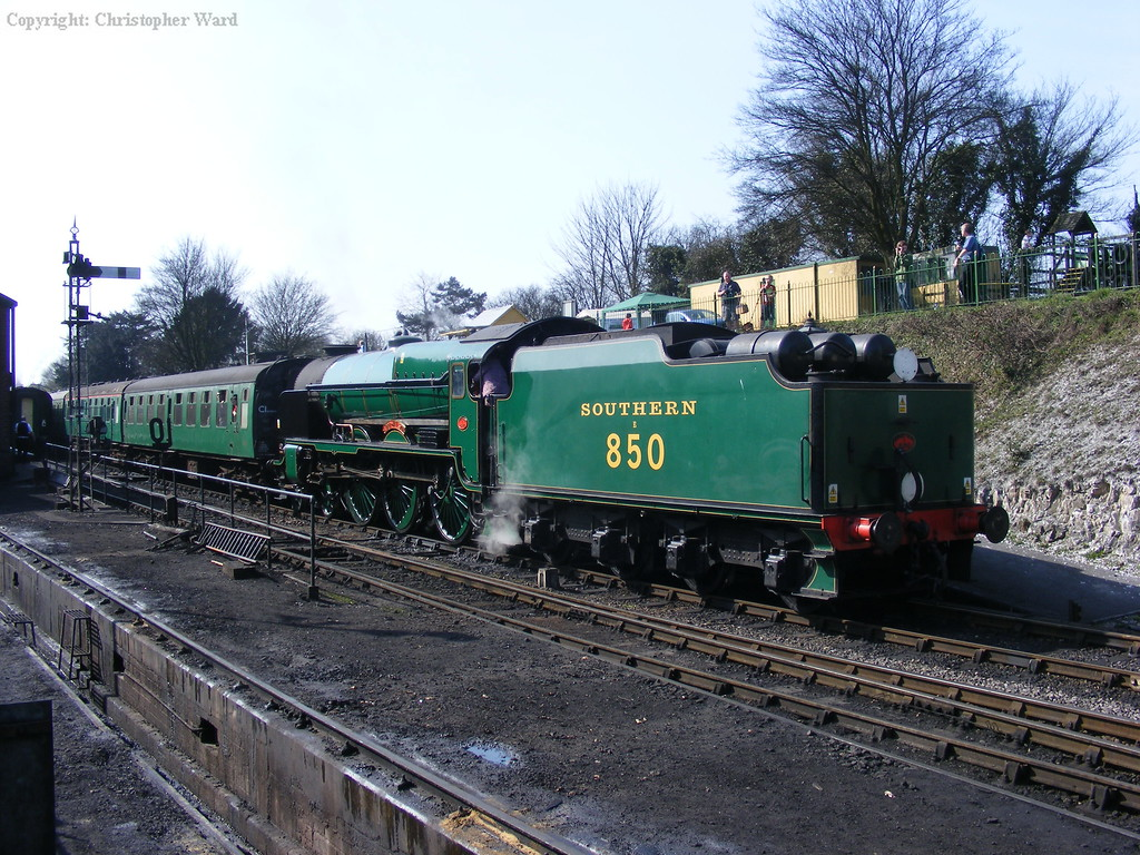 Nelson moves forward to allow the 9F to move onto the rear of the train