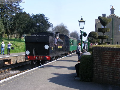 The M7 departs from Ropley in glorious sunshine