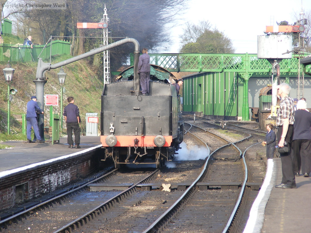 The U class takes water and prepares to move on-shed having been stuck for so long at Alton
