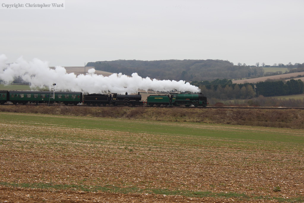 Two Southern 4-4-0s double-head