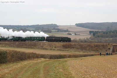 34007 coasts downhill toward Alresford