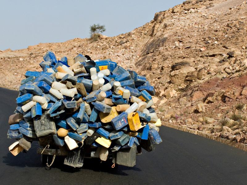 Recycling,  between Marib and Sanaa