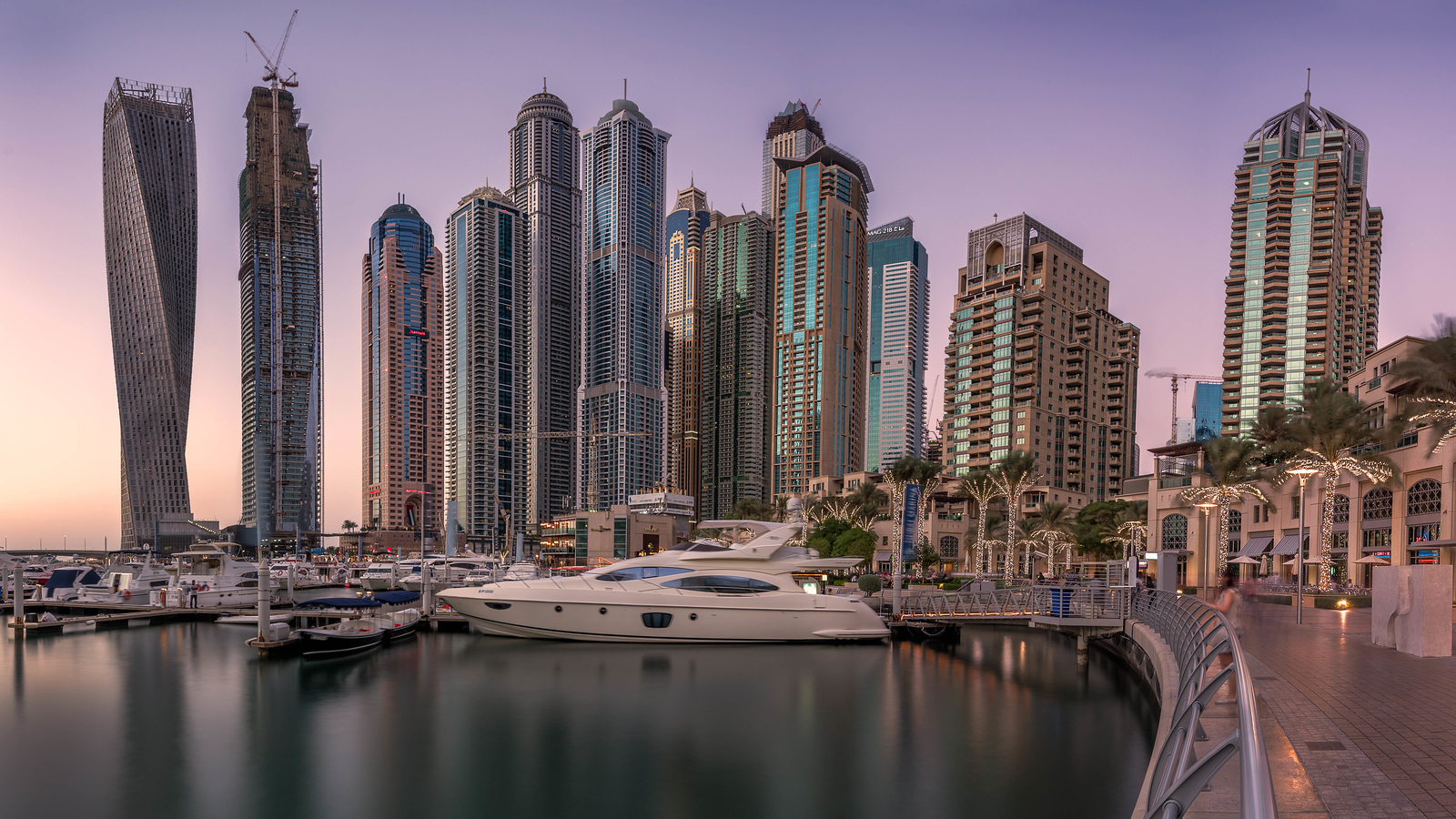 Evening in the Dubai Marina