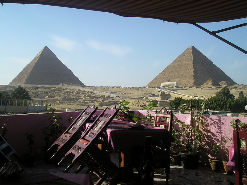 wonderful tea shop 2007: Cairo, The Giza Pyramids & local Atmosphere