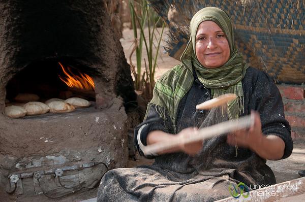 Egyptian Flatbread Process - Cairo, Egypt