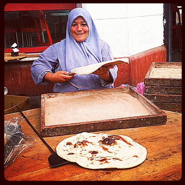Our daily bread woman in Egypt #egyptok