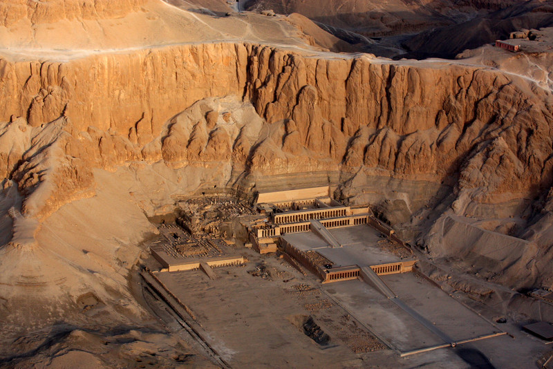 Temple of Hatshepsut with the high clifss behind it. ,2007