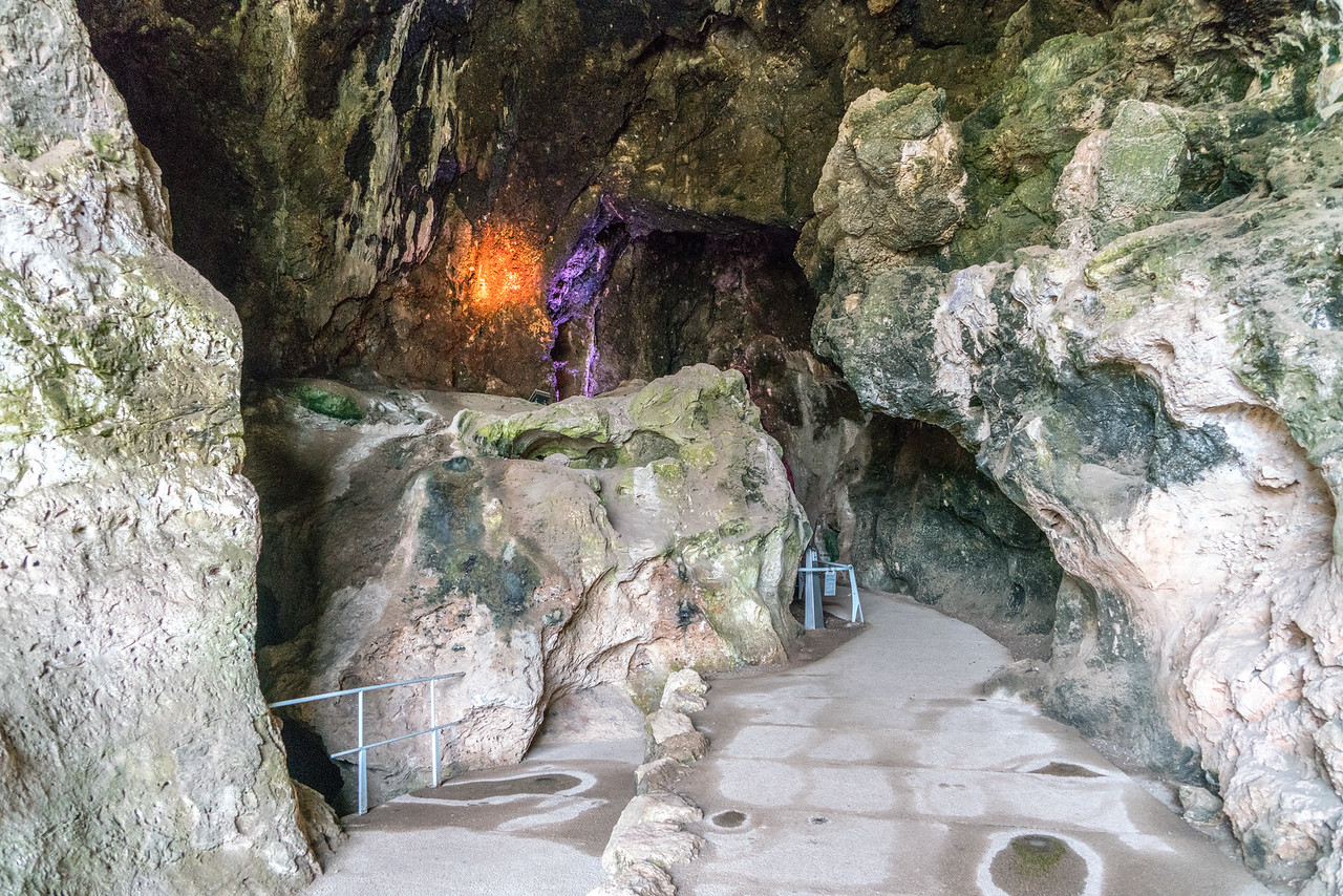 Sites of Human Evolution at Mount Carmel: The Nahal Me'arot / Wadi el-Mughara Caves