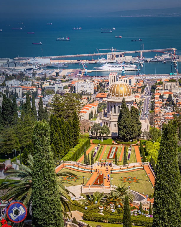 The Bahai Temple and Grounds in Haifa, Israel (©simon@myeclecticimages.com)