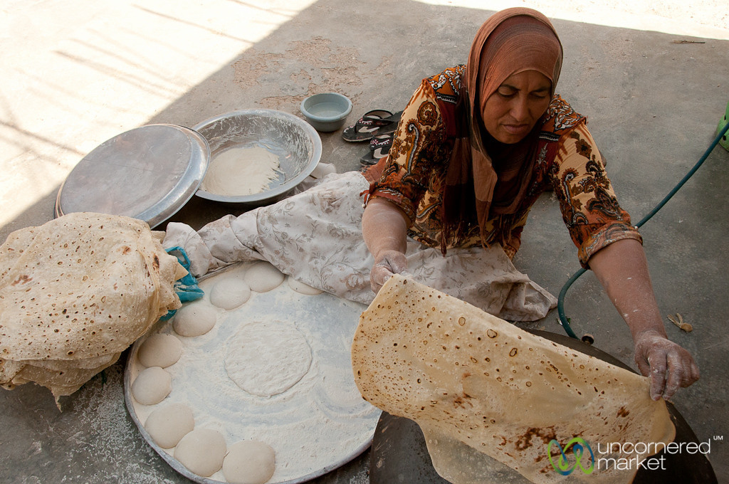 Making Shrak (traditional flat bread) - Zikra Initiative, Jordan