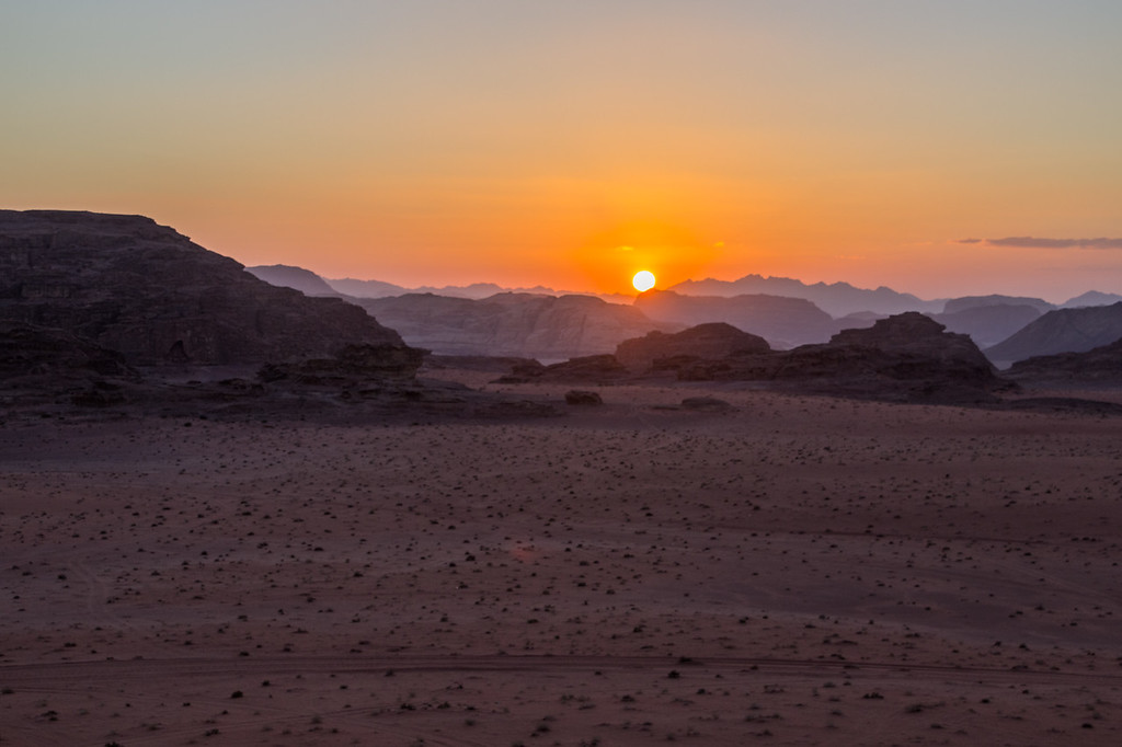 Sunset in Wadi Rum, Jordan (©simon@myeclecticimages.com)