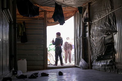 7 brothers whose mother left for Germany and father is in Syria remain in Zaatari struggling to get by.
