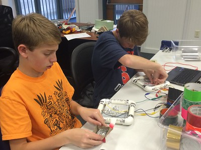 Middle School Discovery class Physical Computing