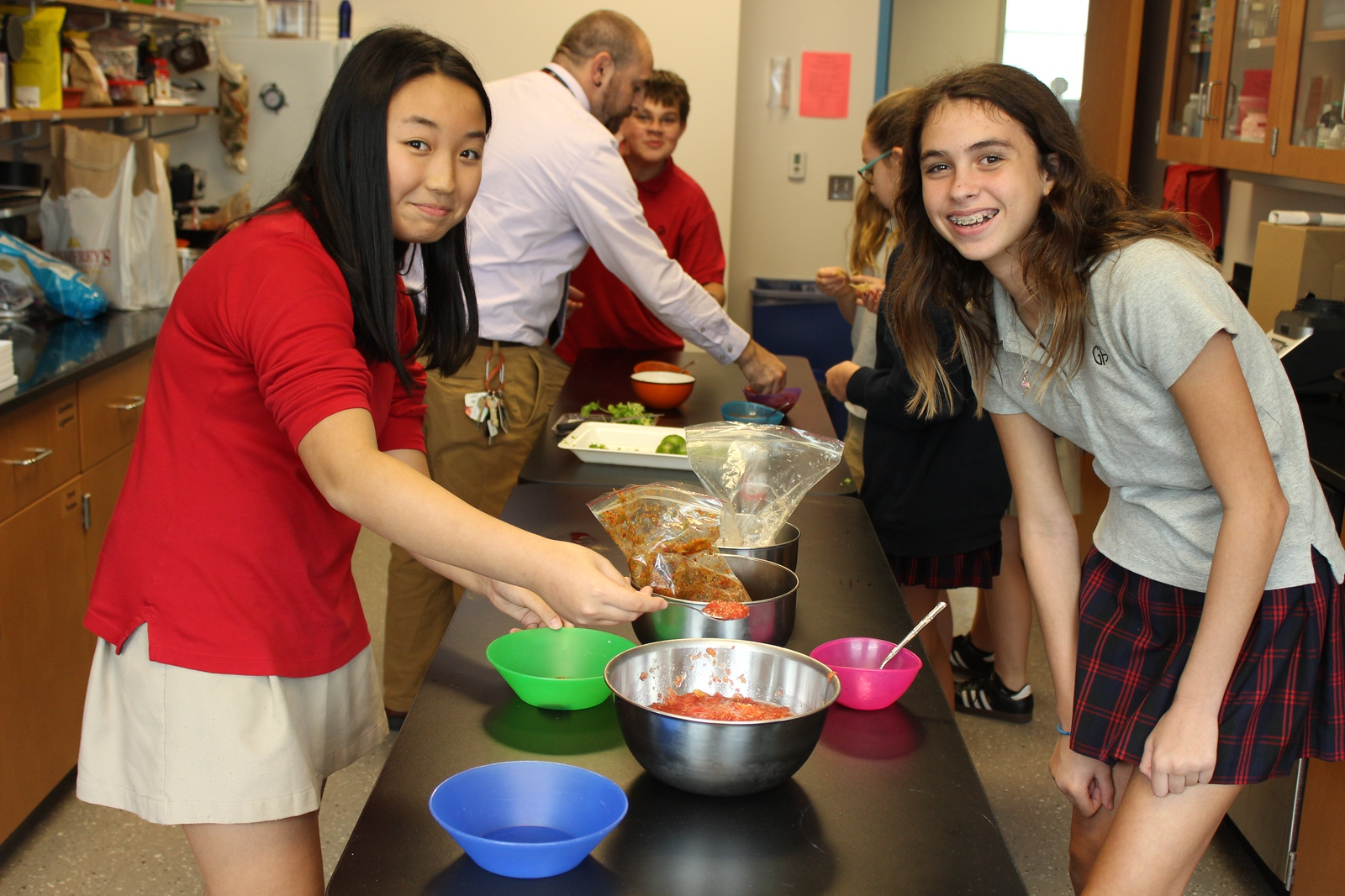 Middle School Green Ambassadors grow and make salsa for Preserve Day