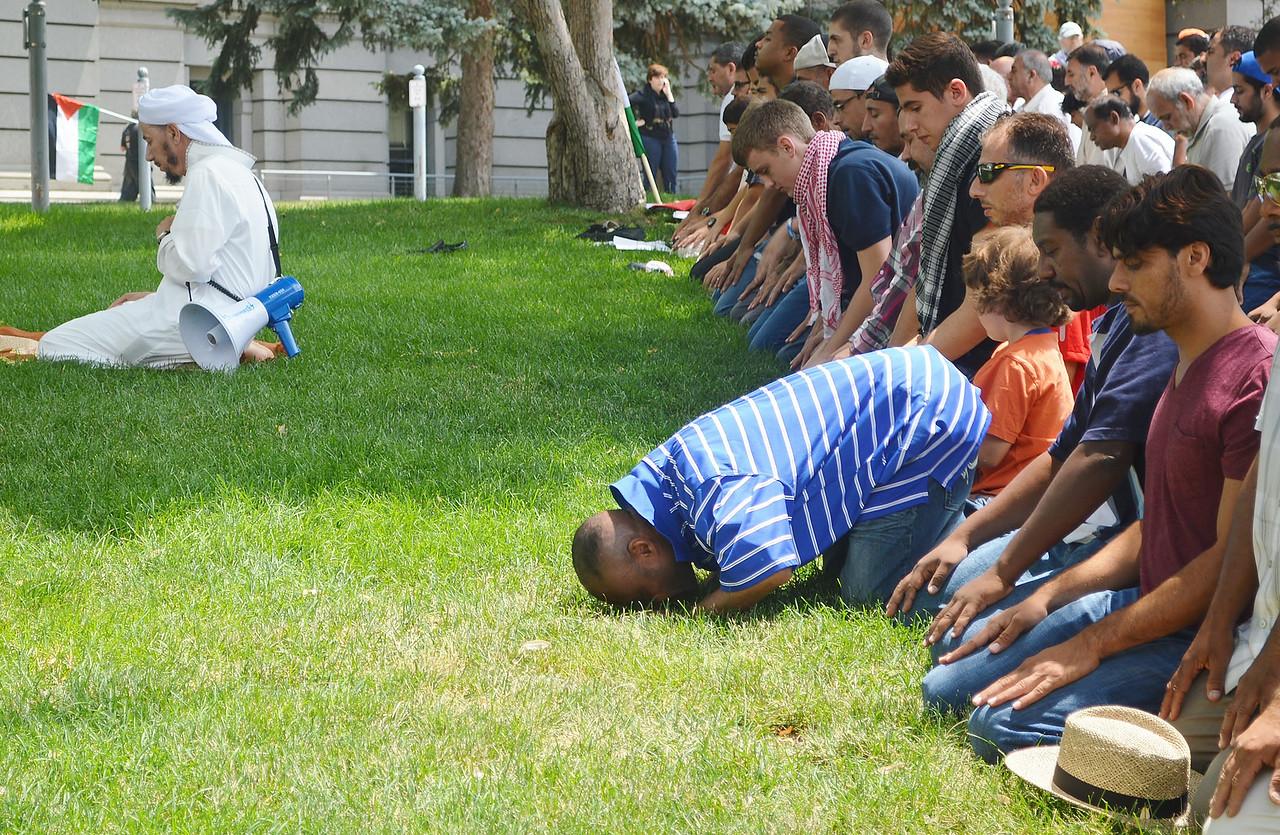 muslim-prayer-1