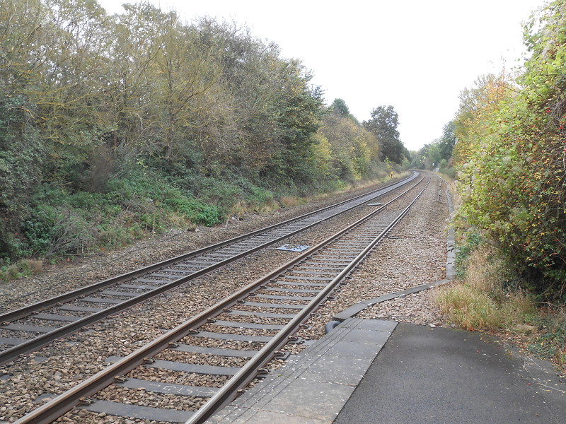pic by Liz <br /> <br /> shot off end of plat 1 looking towards Worcester