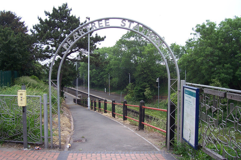 The entrance to the station on the Derby bound platform has this rather <br /> <br /> ornate arch leading down to the platform
