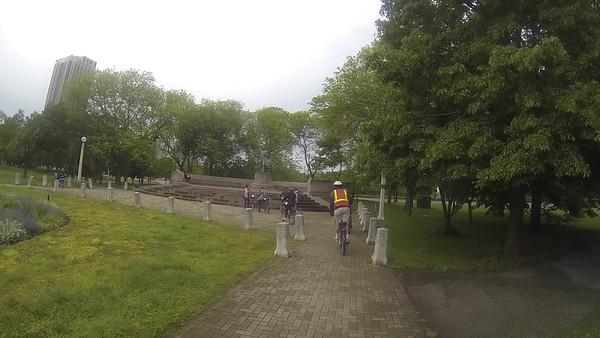 Bike tour of the Chicago shoreline area near Lake Michigan