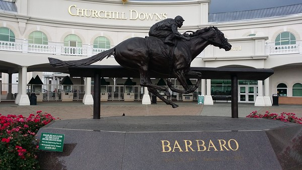 "Statue of ""Barbaro"" in front of the Kentucky Derby Museum"