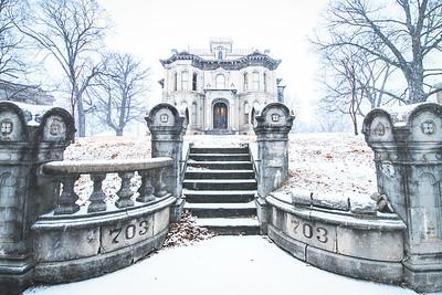 St Joseph Mansion - 703 Hall