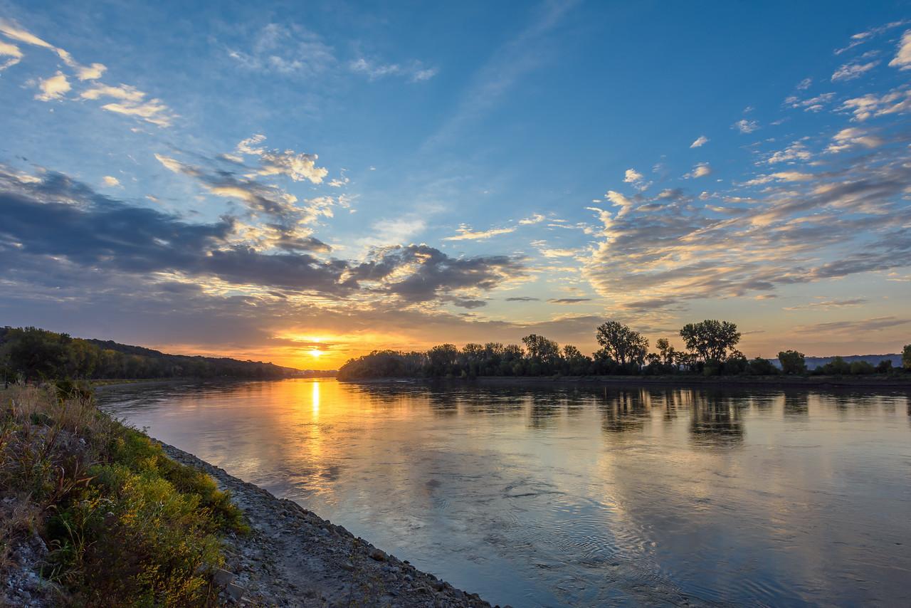 Parkville Sunrise on the River