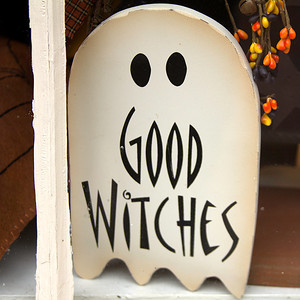 A ghost giving the witches a reference :-)