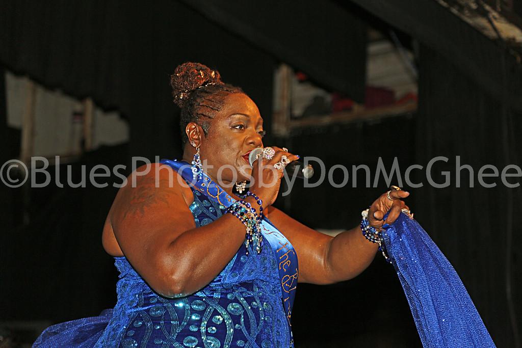 """Detroit's Queen of the Blues - Thornetta Davis  <br> <a href=""""http://thornettadavis.com/"""" target=""""_blank"""">www.thornettadavis.com/</a>"""
