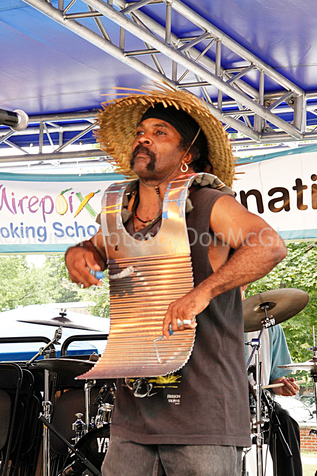"Perez Morris <br>Monsieur Guillaume the Zydeco Hep Cats <br><a href=""http://www.zydecohepcats.com/"" target=""_blank"">www.zydecohepcats.com</a>"