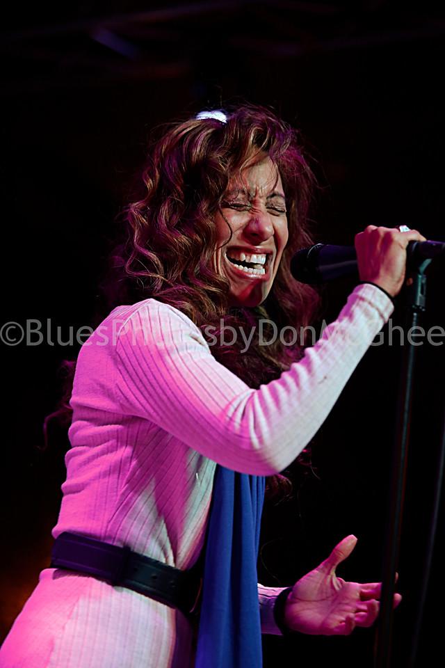 Maria Wade - Crossfire Blues Band