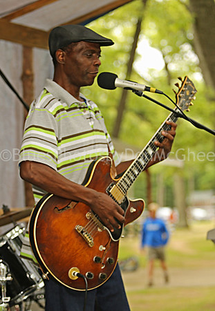 Willie Willie Glemie Beasley and his Downhome Blues Band