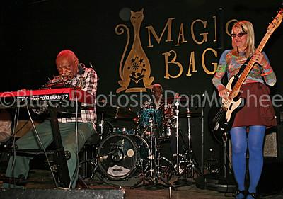 Uncle Jessie White, Duke Dawson, Betty Brownlee, Magic Bag